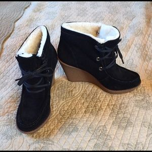New Rebecca Minkoff wedge booties size 8